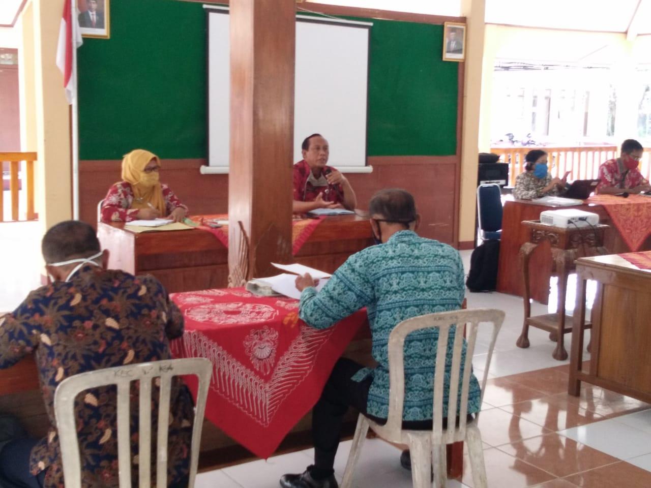 Kegiatan Sosialisasi Penyaluran Bantuan Langsung Tunai dan DD di pendopo Kec.Karanganyar